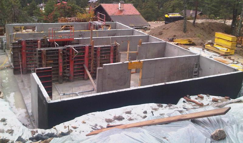 Constructeur de maison rt2012 chateauneuf roquefort le for Maison en beton banche